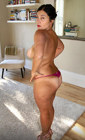 sexy nude mature babes