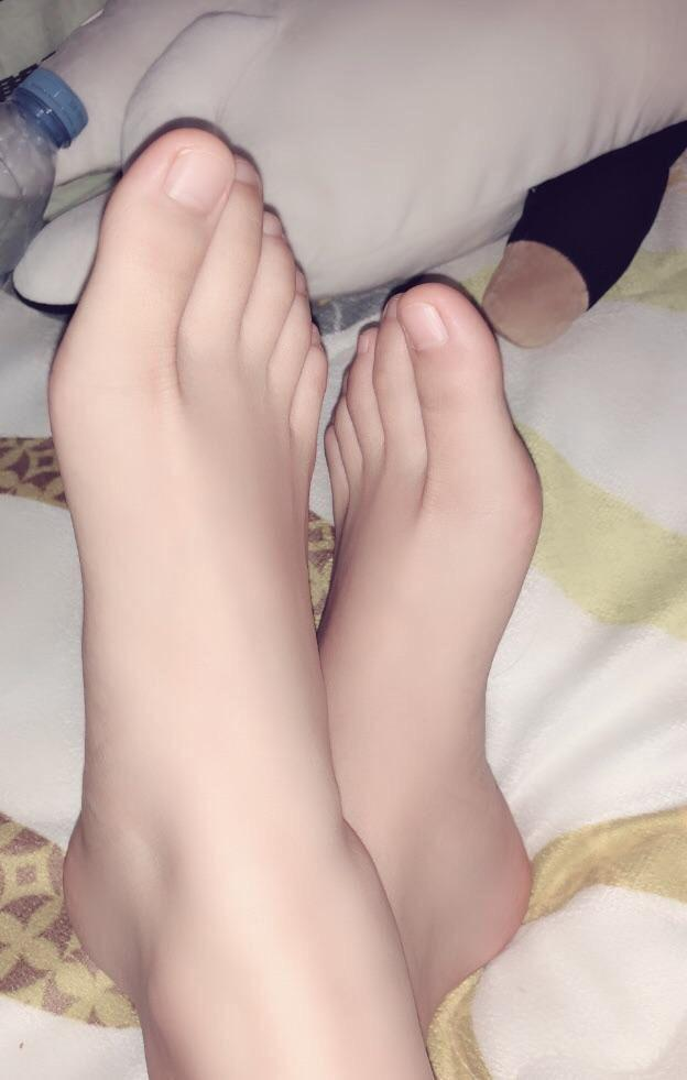pictures of cum on toes